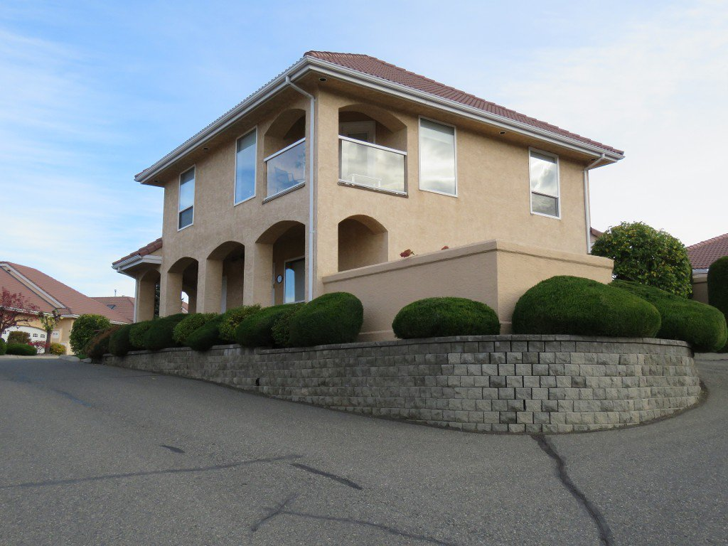 Main Photo: 111 45 Hudson Bay Trail in : South Kamloops Townhouse for sale (Kamloops)  : MLS®# 125921