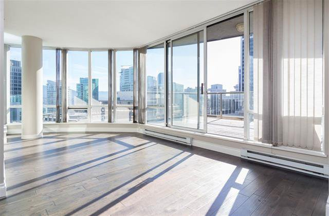 Main Photo: Vancouver West in Coal Harbour: Condo for sale : MLS®# R2057177