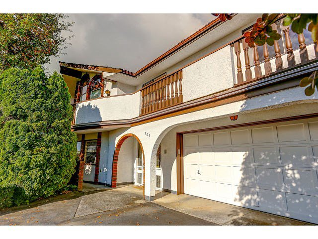 Main Photo:  in COQUITLAM: House for rent (Coquitlam)