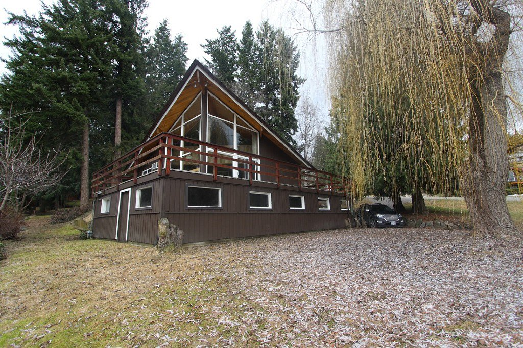 Main Photo: : Blind Bay House for sale (Shuswap)  : MLS®# 10132005
