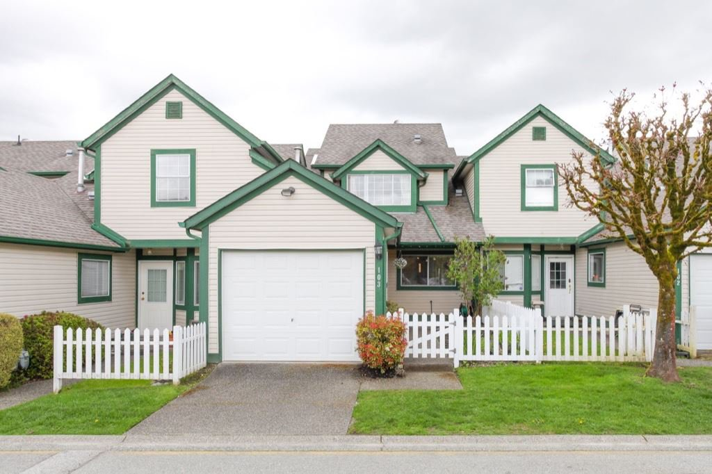 Main Photo: 103 20675 118TH AVENUE in Maple Ridge: Southwest Maple Ridge Townhouse for sale : MLS®# R2159410