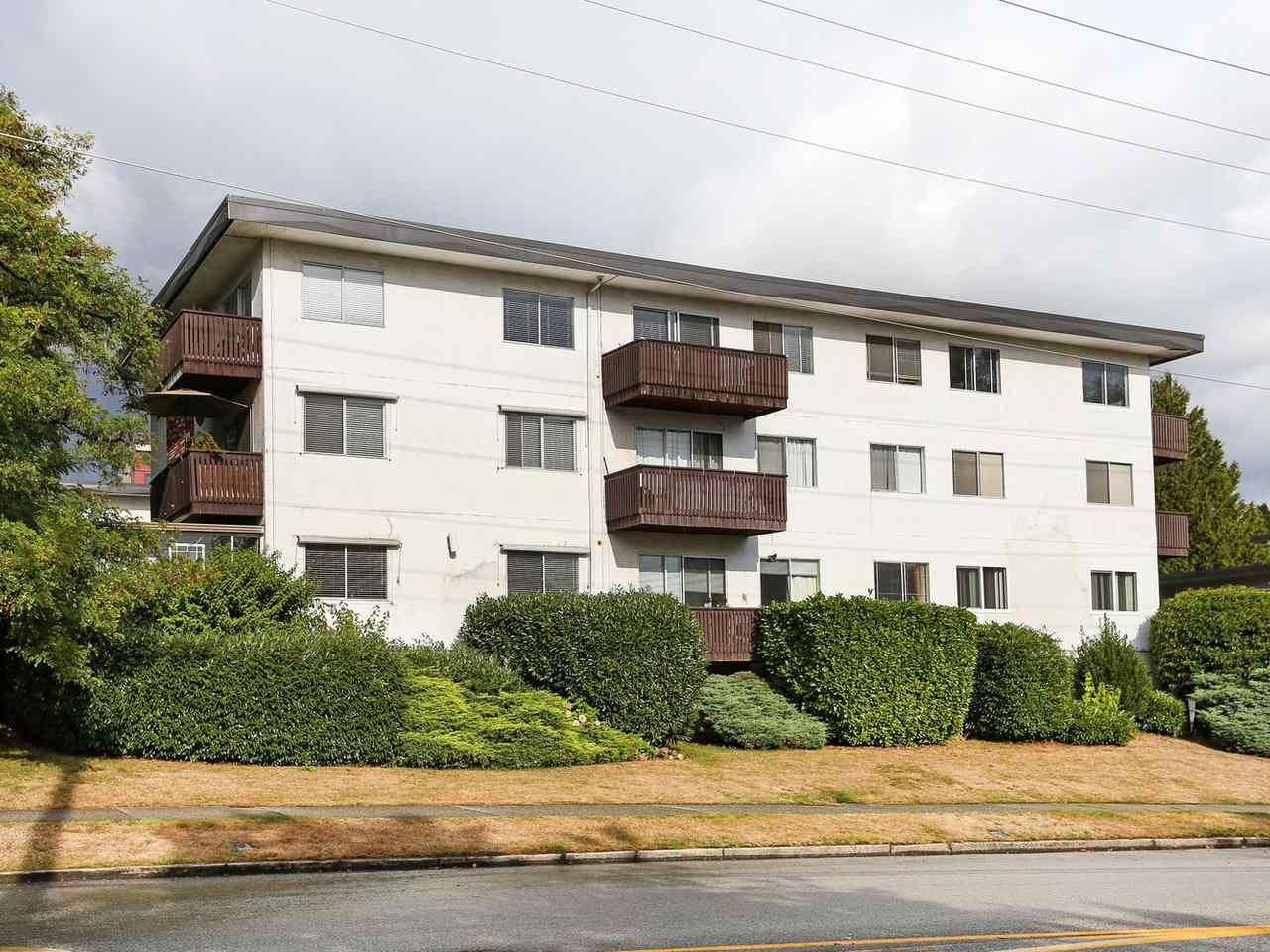 "Main Photo: 205 910 FIFTH Avenue in New Westminster: Uptown NW Condo for sale in ""Grosvenor Court"" : MLS®# R2426702"