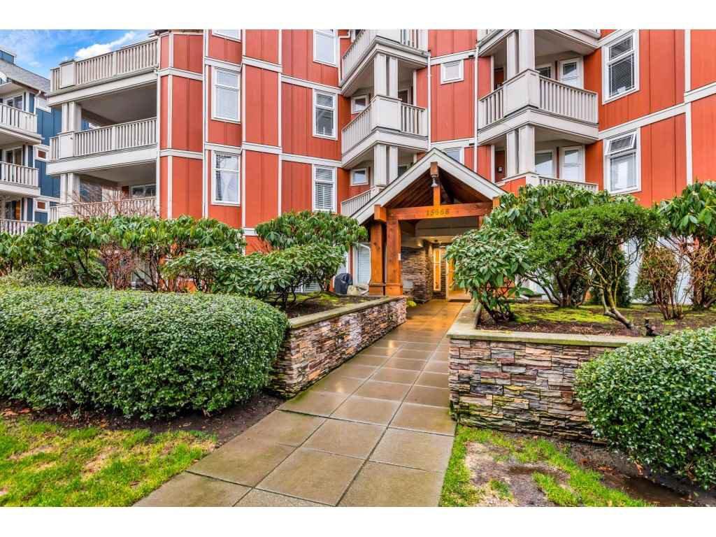 """Main Photo: 202 15368 16A Avenue in Surrey: King George Corridor Condo for sale in """"Ocean Bay Villas"""" (South Surrey White Rock)  : MLS®# R2432898"""