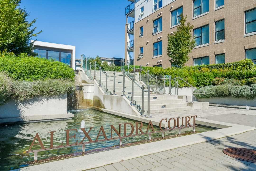 """Main Photo: 519 9399 ALEXANDRA Road in Richmond: West Cambie Condo for sale in """"ALEXANDRA COURT"""" : MLS®# R2505266"""