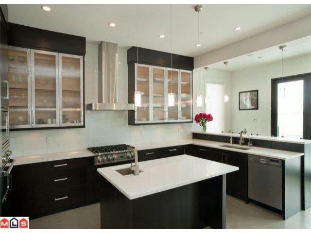 Photo 2: Photos: 14727 OXENHAM Avenue: White Rock House for sale (South Surrey White Rock)  : MLS®# F1202883