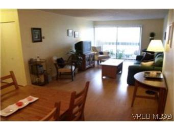 Main Photo:  in VICTORIA: Vi Fairfield East Condo Apartment for sale (Victoria)  : MLS®# 386948