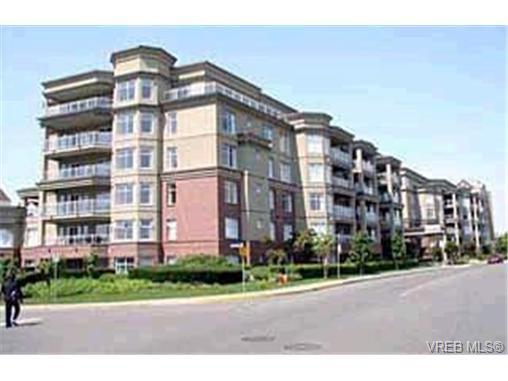 Main Photo: 405 165 Kimta Rd in VICTORIA: VW Songhees Condo Apartment for sale (Victoria West)  : MLS®# 332010