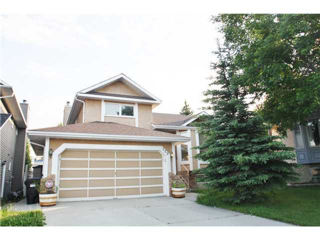 Main Photo: 120 SANDERLING Close NW in CALGARY: Sandstone Residential Detached Single Family for sale (Calgary)  : MLS®# C3624278