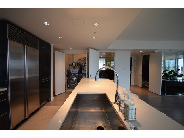 Photo 5: Photos: # 3002 788 RICHARDS ST in Vancouver: Downtown VW Condo for sale (Vancouver West)  : MLS®# V1097730