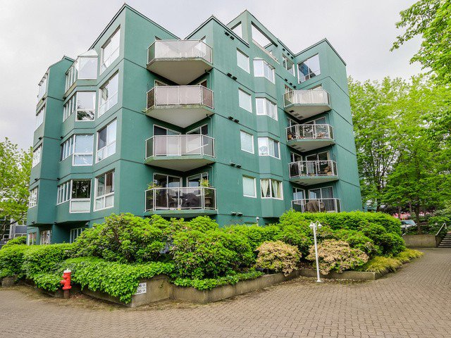 Main Photo: # 410 1508 MARINER WK in Vancouver: False Creek Condo for sale (Vancouver West)  : MLS®# V1124820