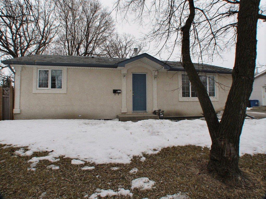 Main Photo: 121 Braintree Crescent in Winnipeg: St James Residential for sale (West Winnipeg)  : MLS®# 1605380
