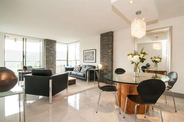 Main Photo: Vancouver West in Fairview VW: Condo for sale : MLS®# R2073794