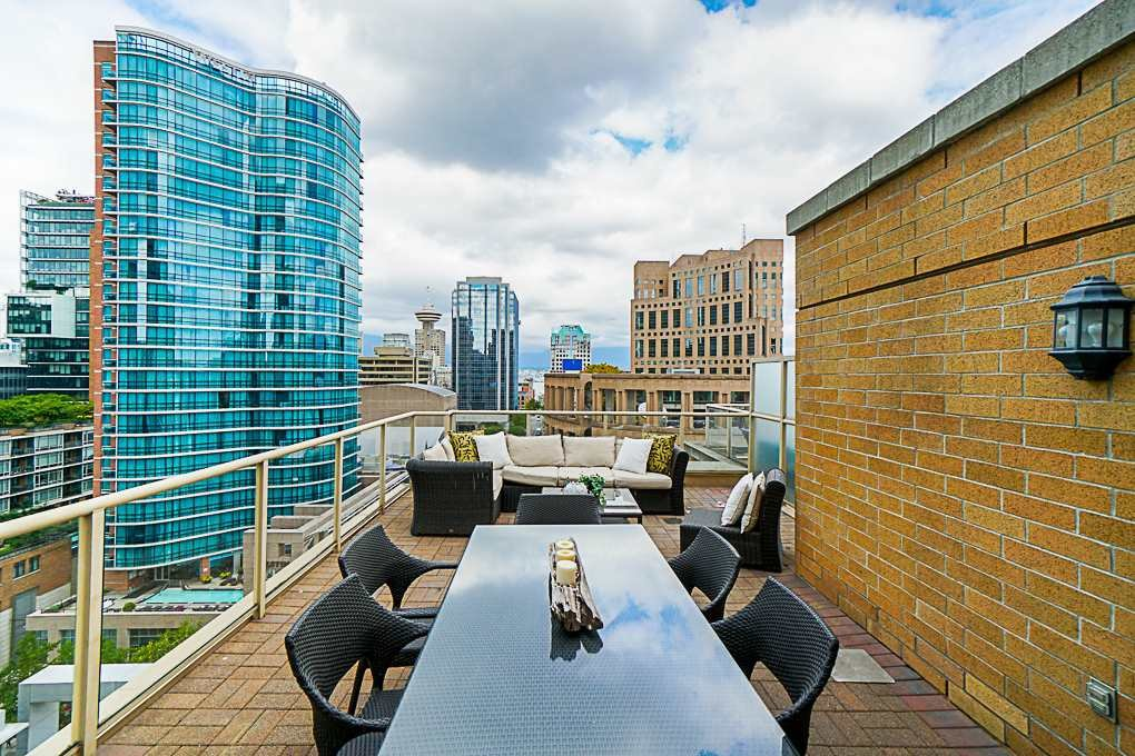 Main Photo: PH 1502 822 Homer Street in Vancouver: Yaletown Condo for sale (Vancouver West)  : MLS®# R2291700