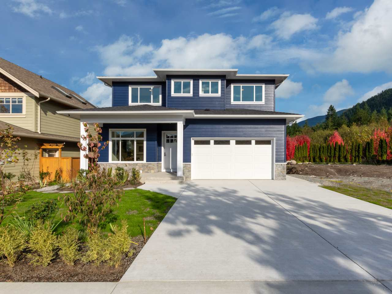 "Main Photo: 40895 THE CRESCENT in Squamish: University Highlands House for sale in ""UNIVERSITY HEIGHTS"" : MLS®# R2467442"