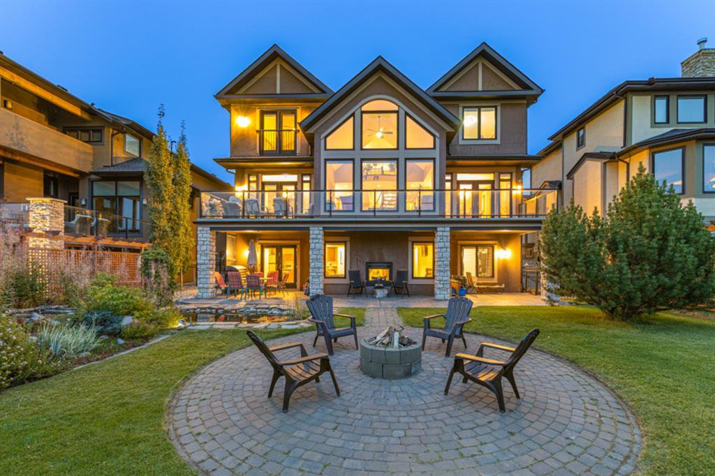 Main Photo: 2735 77 Street SW in Calgary: Springbank Hill Detached for sale : MLS®# A1053304