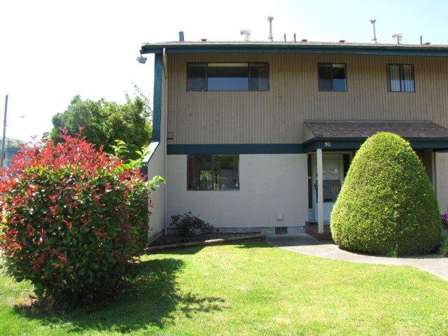 "Main Photo: 30 5850 177B Street in Surrey: Cloverdale BC Townhouse for sale in ""Dogwood Gardens"" (Cloverdale)  : MLS®# F1218549"