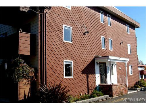 Main Photo: 104 350 Belmont Road in VICTORIA: Co Colwood Corners Condo Apartment for sale (Colwood)  : MLS®# 260958