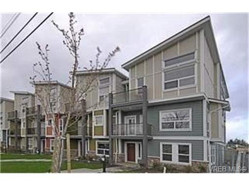 Main Photo:  in VICTORIA: La Langford Proper Row/Townhouse for sale (Langford)  : MLS®# 461580
