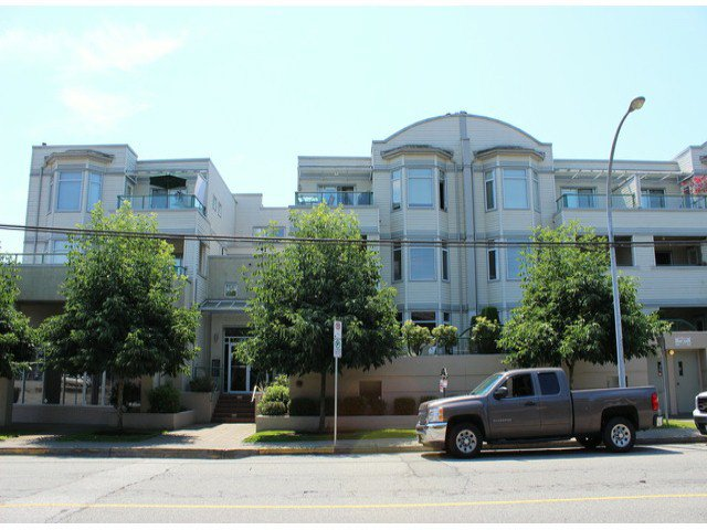 """Photo 1: Photos: 314 20680 56TH Avenue in Langley: Langley City Condo for sale in """"CASSOLA COURT"""" : MLS®# F1417789"""