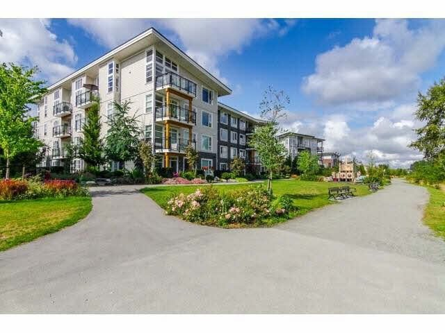 "Photo 17: Photos: 403 23255 BILLY BROWN Road in Langley: Fort Langley Condo for sale in ""The Village at Bedford Landing"" : MLS®# F1421450"