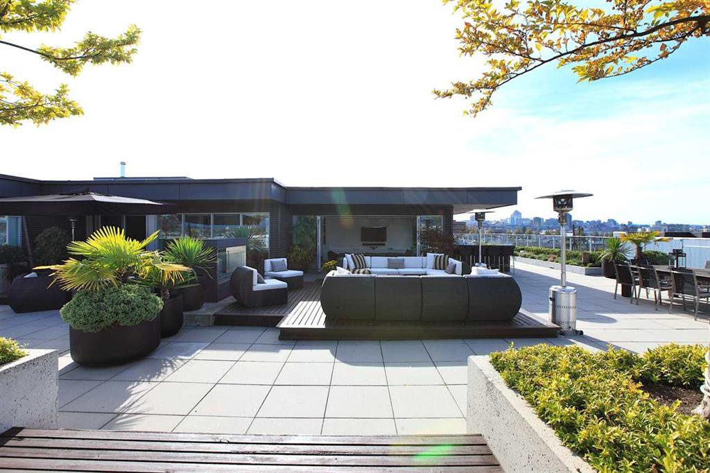 Photo 3: Photos: 601 256 E 2ND Avenue in Vancouver: Mount Pleasant VE Condo  (Vancouver East)  : MLS®# R2007525