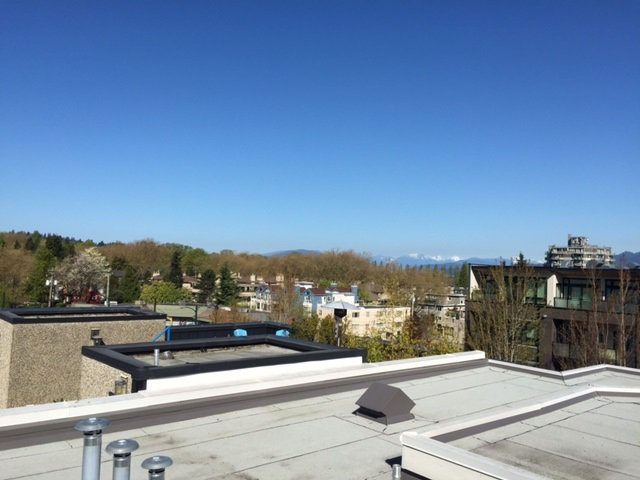 Photo 2: Photos: 312 3638 W BROADWAY in Vancouver: Kitsilano Condo for sale (Vancouver West)  : MLS®# R2054837