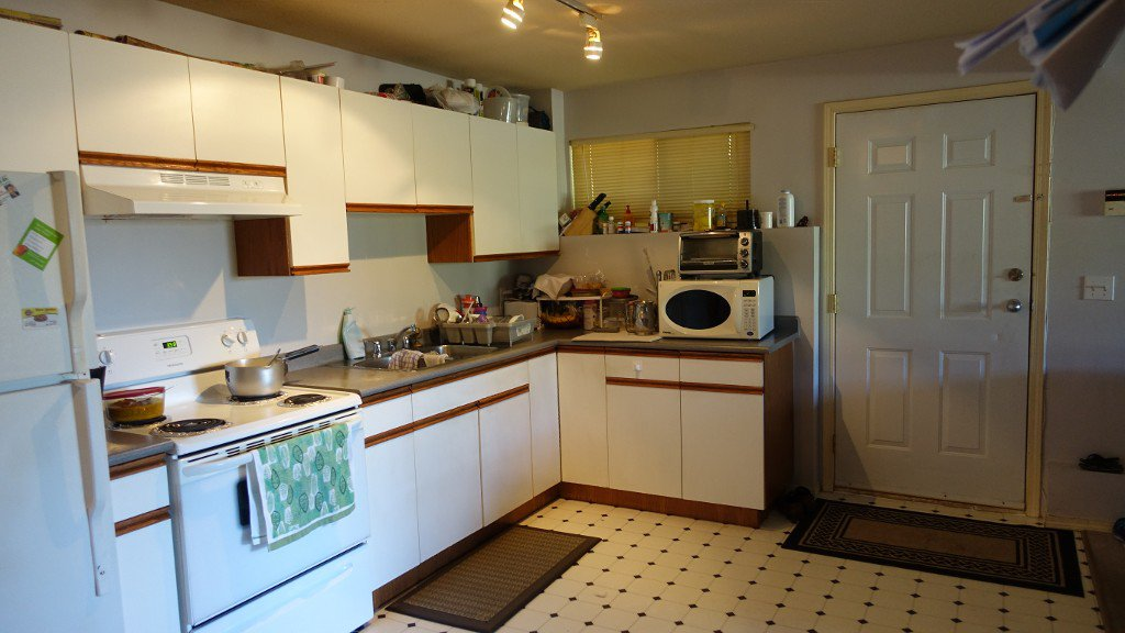 Photo 2: Photos: 2387 Broadway Street in Abbotsford: Central Abbotsford House for rent
