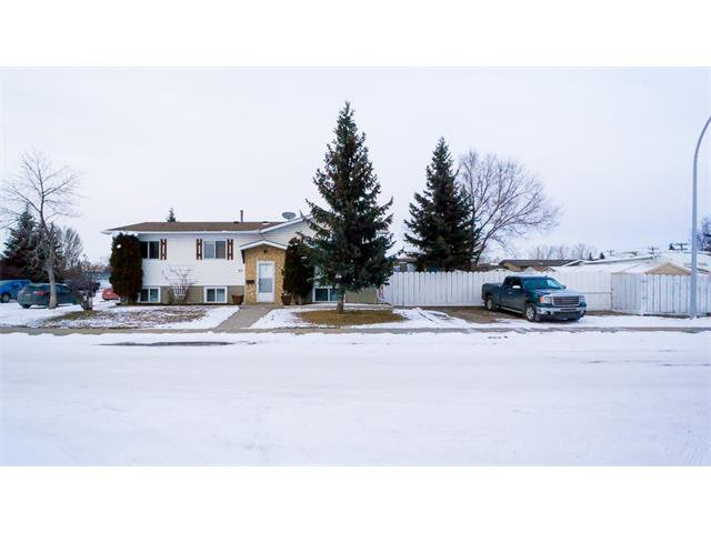 Main Photo: 33 Spring Haven Cres SE: Airdrie House for sale : MLS®# C4102976