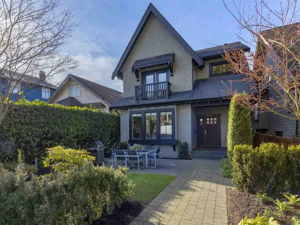 Main Photo: 3628 W 2ND AVENUE in Vancouver: Kitsilano House 1/2 Duplex for sale (Vancouver West)  : MLS®# R2352662