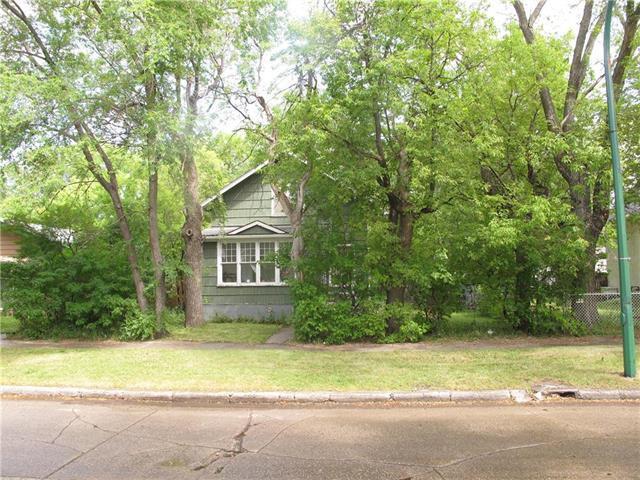 Main Photo:  in Winnipeg: West Kildonan Residential for sale (4D)  : MLS®# 1922404