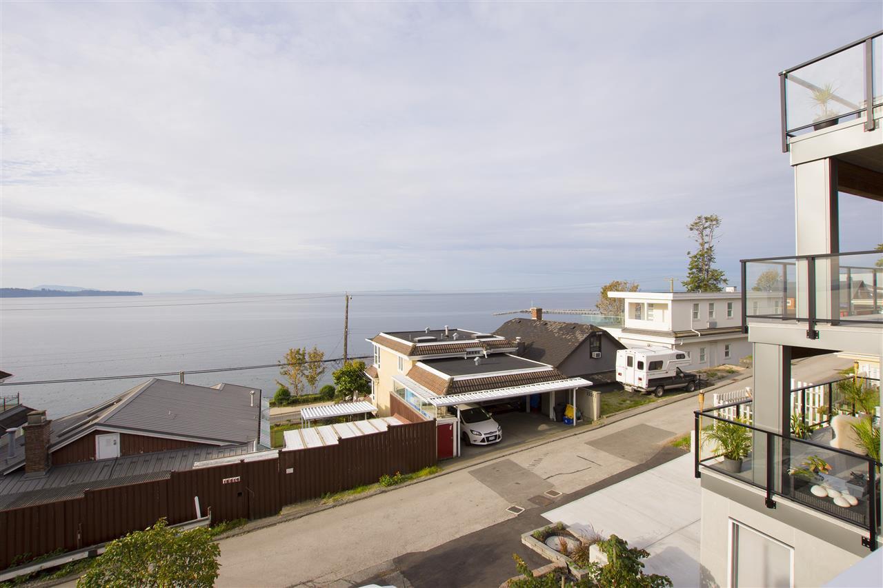 Main Photo: 15316 VICTORIA Avenue: White Rock House for sale (South Surrey White Rock)  : MLS®# R2411385