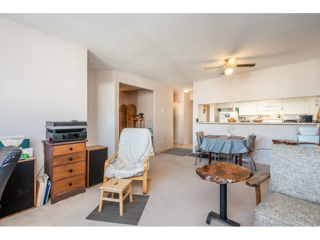"""Photo 14: Photos: 404 10523 UNIVERSITY Drive in Surrey: Whalley Condo for sale in """"GRANDVIEW COURT"""" (North Surrey)  : MLS®# R2445148"""