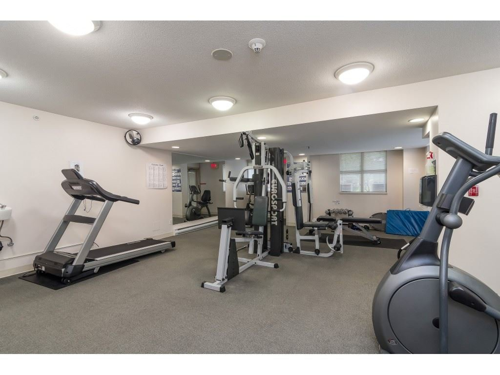 """Photo 19: Photos: 404 10523 UNIVERSITY Drive in Surrey: Whalley Condo for sale in """"GRANDVIEW COURT"""" (North Surrey)  : MLS®# R2445148"""