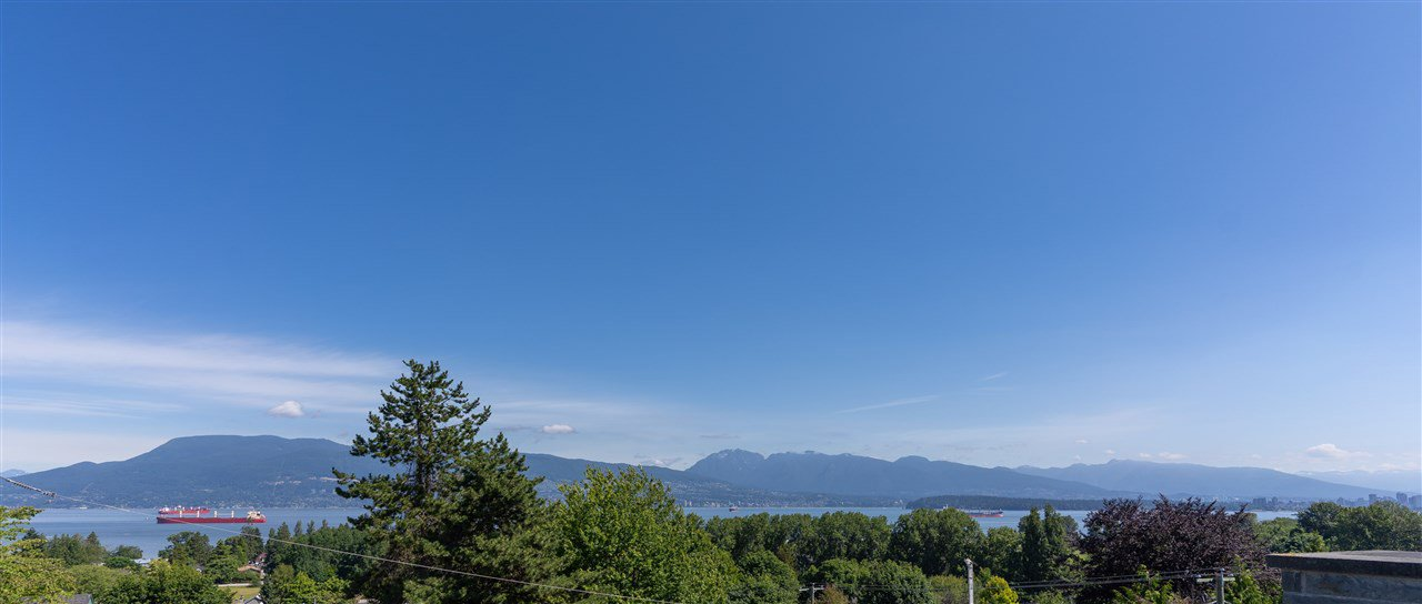 Main Photo: 4408 W 3RD Avenue in Vancouver: Point Grey House for sale (Vancouver West)  : MLS®# R2473394