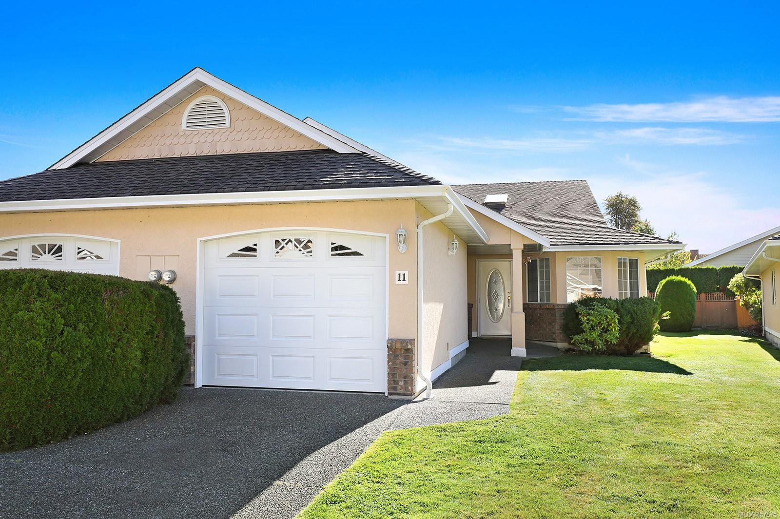 Main Photo: 11 20 Anderton Ave in : CV Courtenay City Row/Townhouse for sale (Comox Valley)  : MLS®# 857875