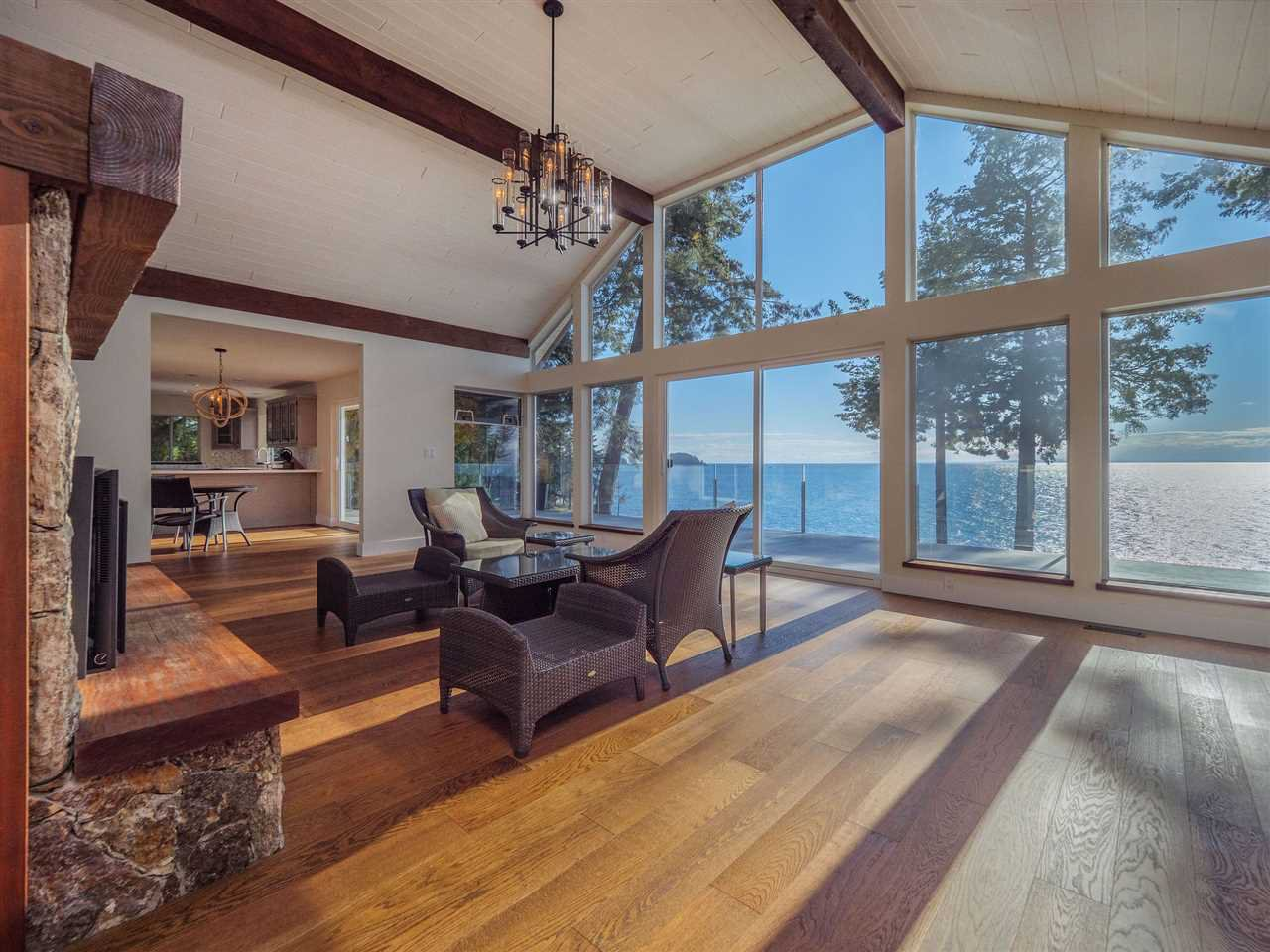 "Photo 19: Photos: 7101 DALE Road in Sechelt: Sechelt District House for sale in ""Caleda Estates"" (Sunshine Coast)  : MLS®# R2515160"
