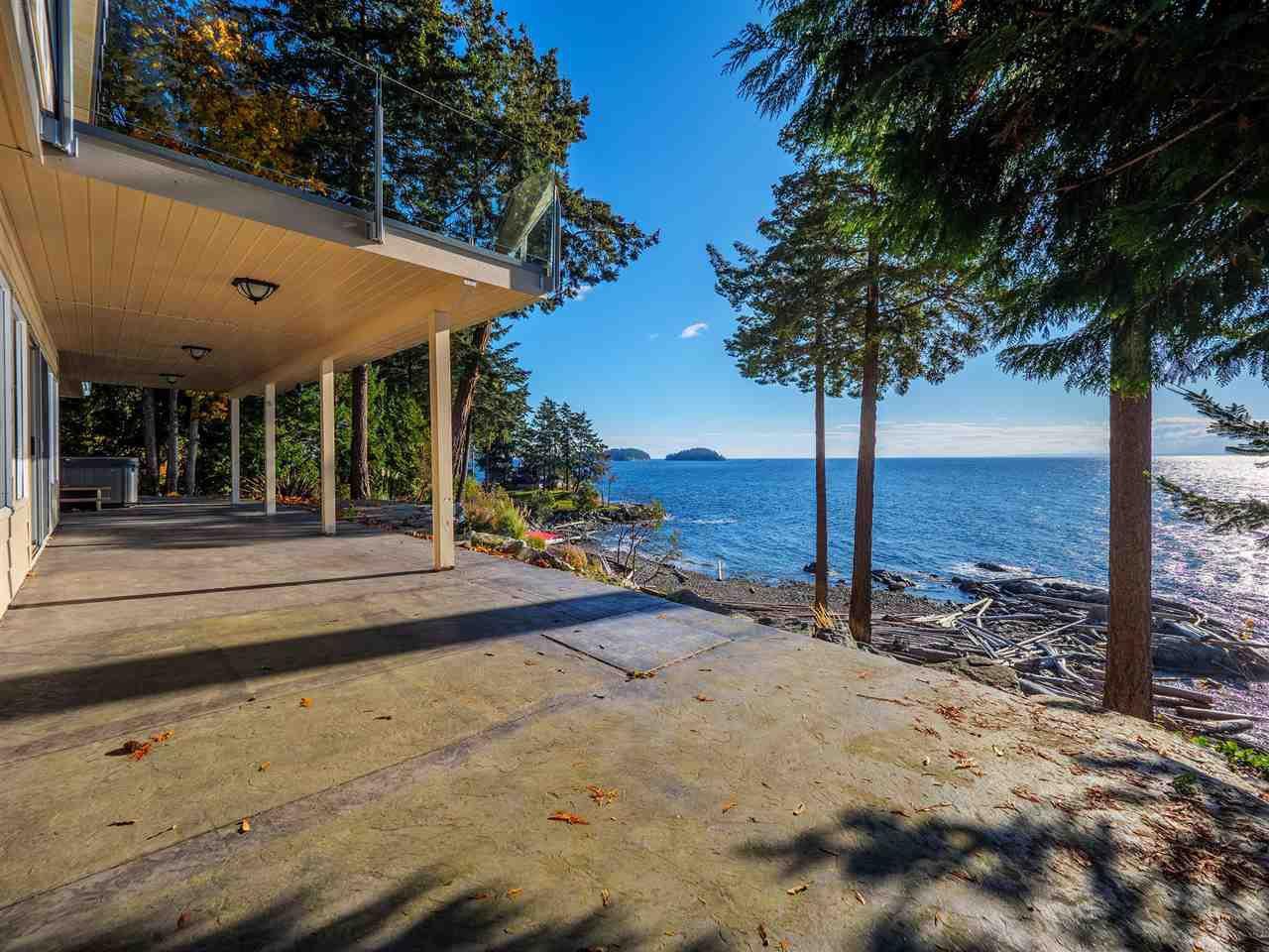 "Photo 5: Photos: 7101 DALE Road in Sechelt: Sechelt District House for sale in ""Caleda Estates"" (Sunshine Coast)  : MLS®# R2515160"