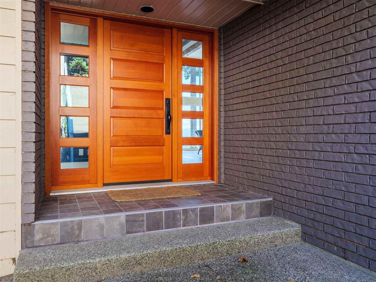 "Photo 14: Photos: 7101 DALE Road in Sechelt: Sechelt District House for sale in ""Caleda Estates"" (Sunshine Coast)  : MLS®# R2515160"