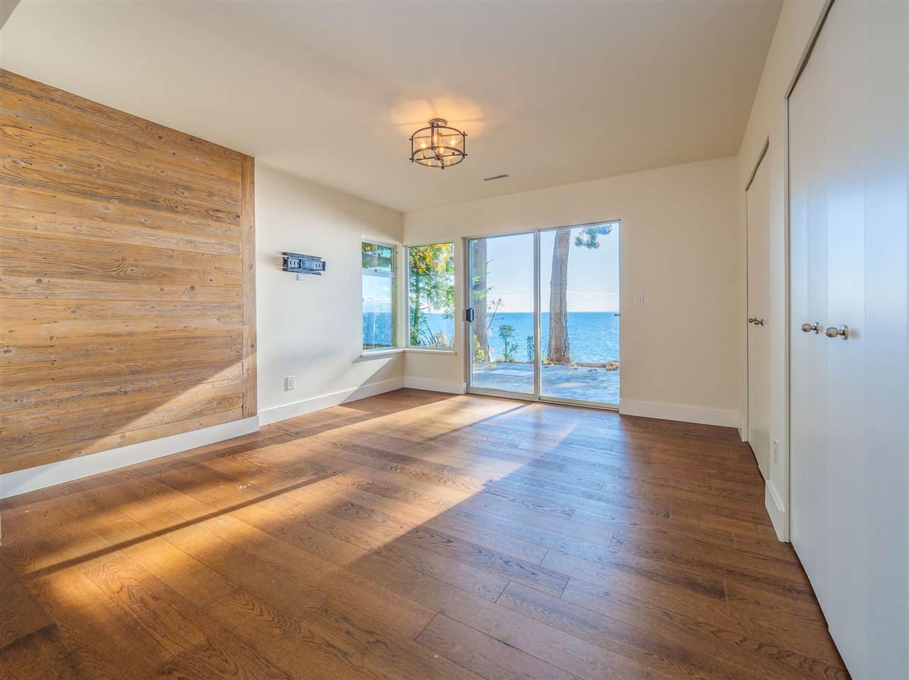 "Photo 32: Photos: 7101 DALE Road in Sechelt: Sechelt District House for sale in ""Caleda Estates"" (Sunshine Coast)  : MLS®# R2515160"