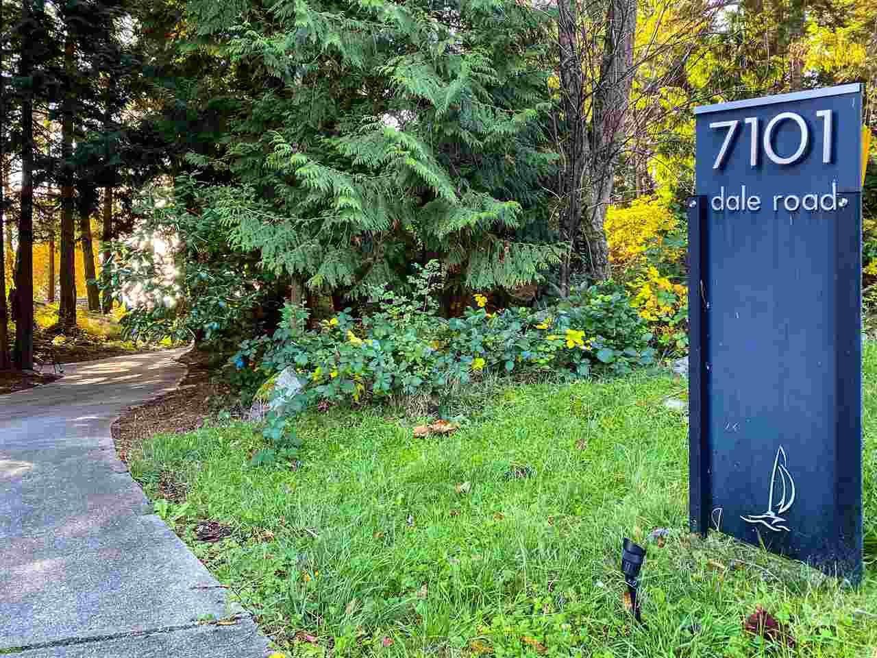 "Photo 9: Photos: 7101 DALE Road in Sechelt: Sechelt District House for sale in ""Caleda Estates"" (Sunshine Coast)  : MLS®# R2515160"