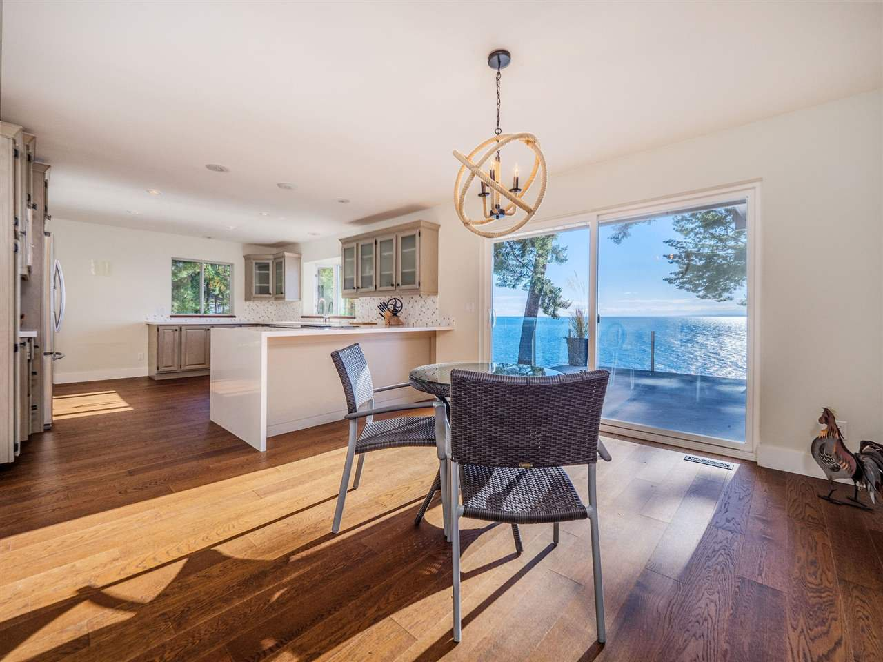 "Photo 21: Photos: 7101 DALE Road in Sechelt: Sechelt District House for sale in ""Caleda Estates"" (Sunshine Coast)  : MLS®# R2515160"