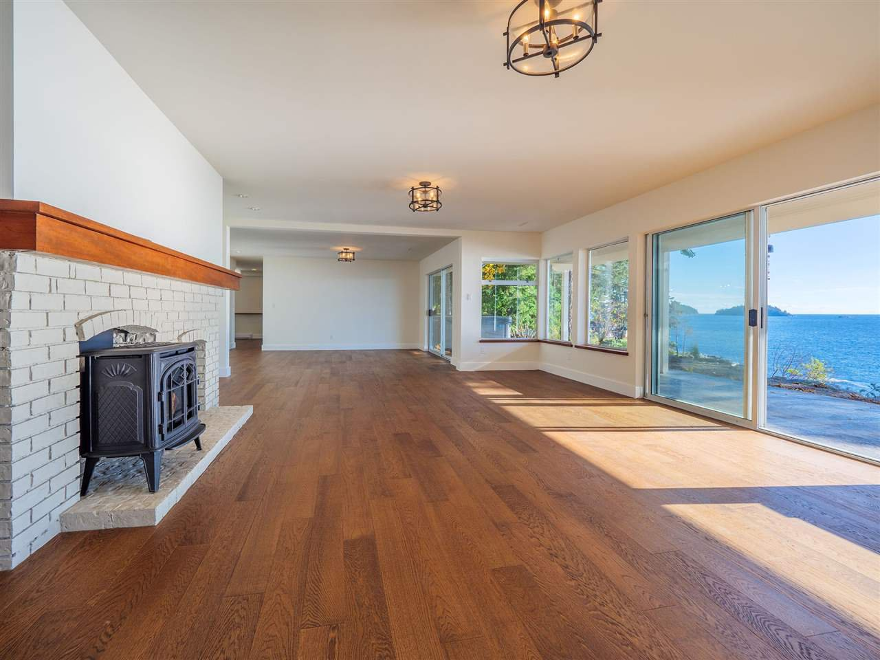 "Photo 31: Photos: 7101 DALE Road in Sechelt: Sechelt District House for sale in ""Caleda Estates"" (Sunshine Coast)  : MLS®# R2515160"