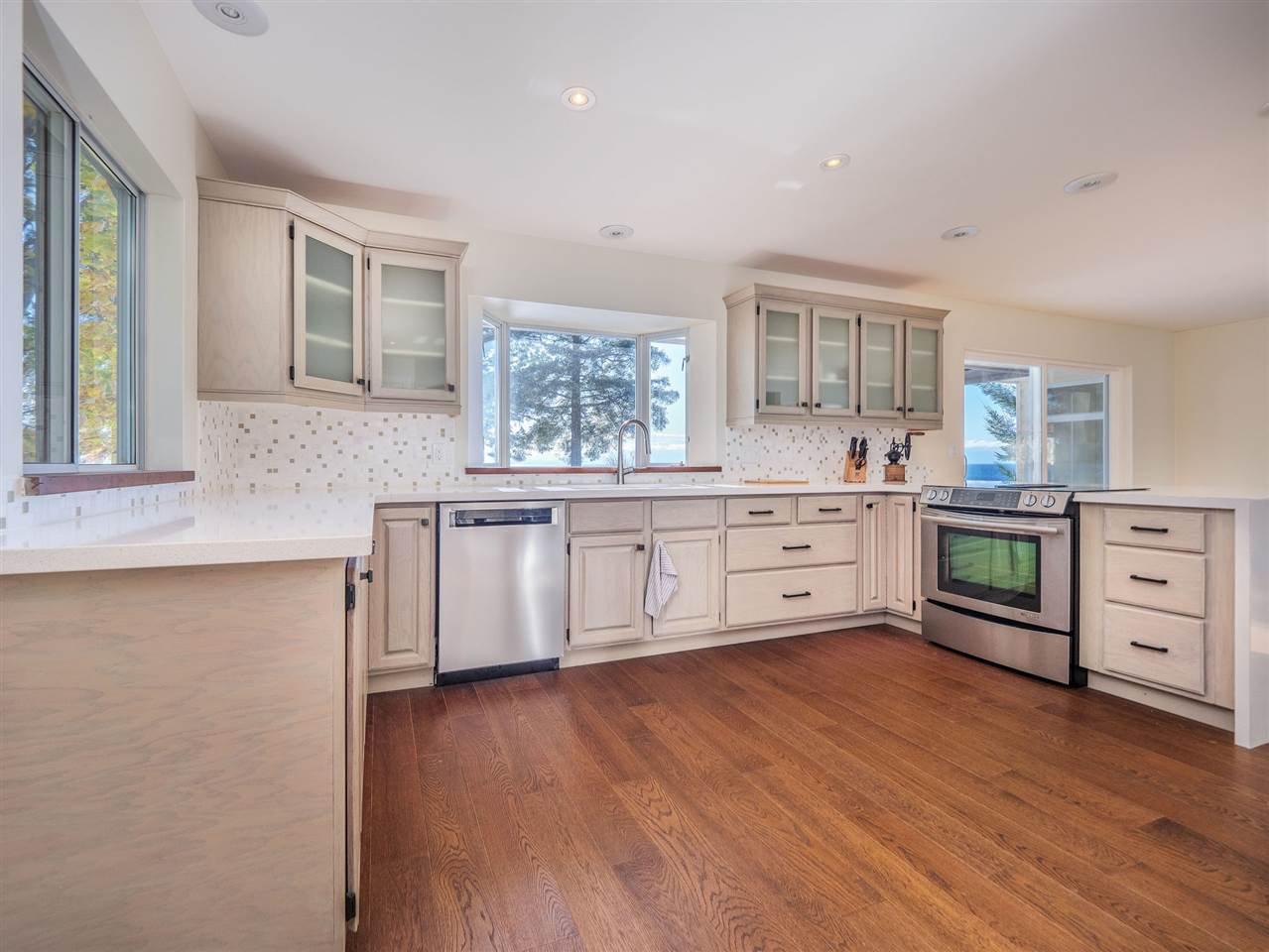 "Photo 20: Photos: 7101 DALE Road in Sechelt: Sechelt District House for sale in ""Caleda Estates"" (Sunshine Coast)  : MLS®# R2515160"