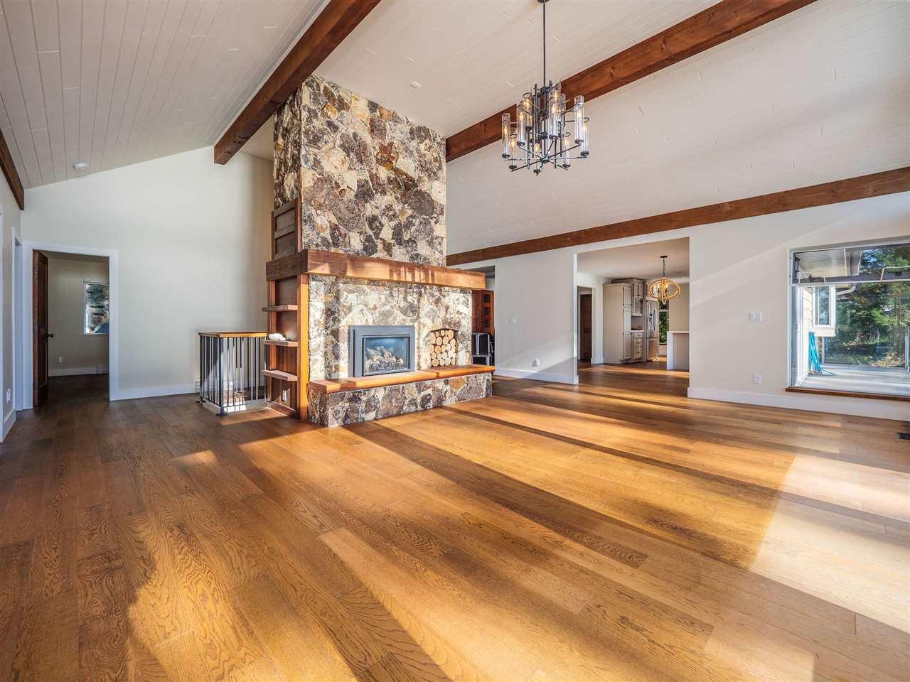 "Photo 16: Photos: 7101 DALE Road in Sechelt: Sechelt District House for sale in ""Caleda Estates"" (Sunshine Coast)  : MLS®# R2515160"