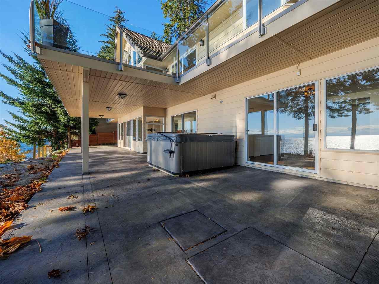 "Photo 8: Photos: 7101 DALE Road in Sechelt: Sechelt District House for sale in ""Caleda Estates"" (Sunshine Coast)  : MLS®# R2515160"
