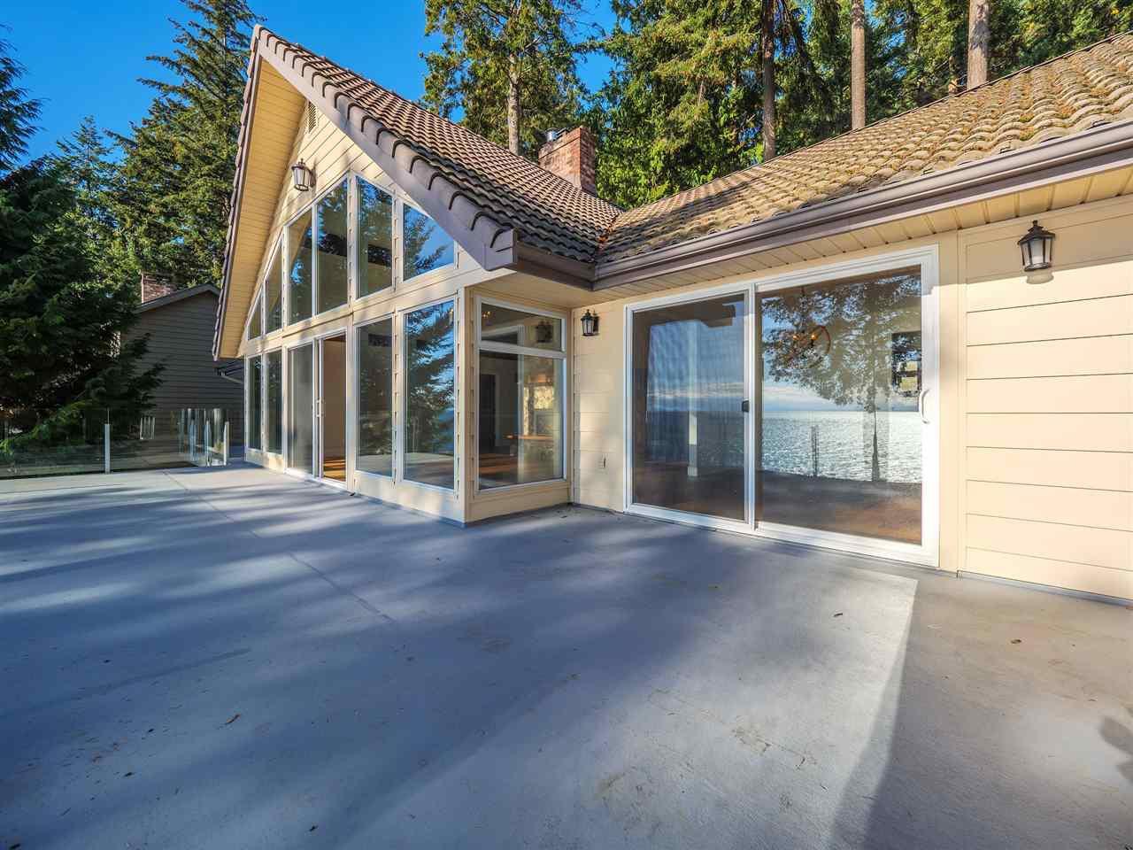 "Photo 7: Photos: 7101 DALE Road in Sechelt: Sechelt District House for sale in ""Caleda Estates"" (Sunshine Coast)  : MLS®# R2515160"