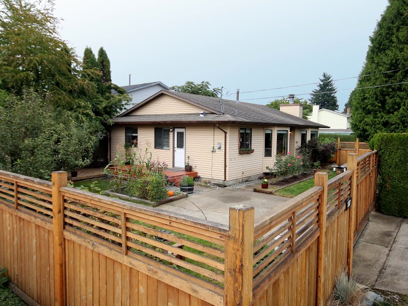 Main Photo: 9223 210TH ST in Langley: Walnut Grove House for sale : MLS®# F1320632