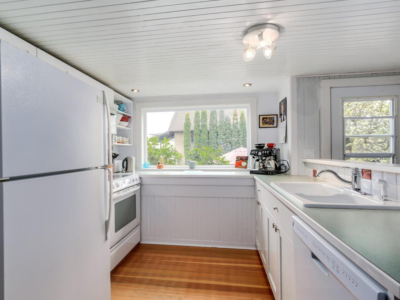 Photo 6: Photos: 1760 E 37TH AVENUE in Vancouver: Victoria VE House for sale (Vancouver East)  : MLS®# R2059026