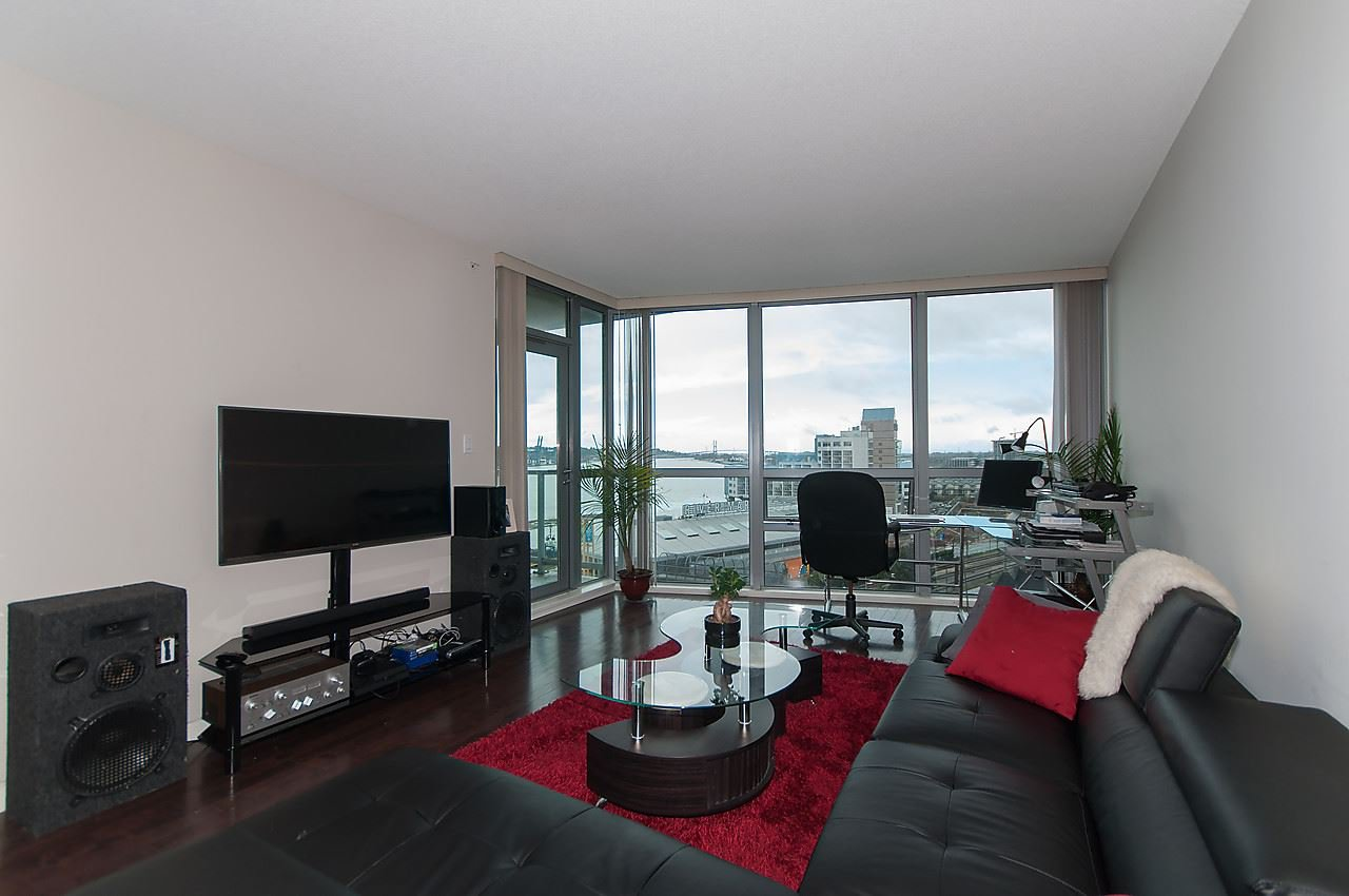 Main Photo: 1010 14 BEGBIE STREET in : Quay Condo for sale : MLS®# R2045693