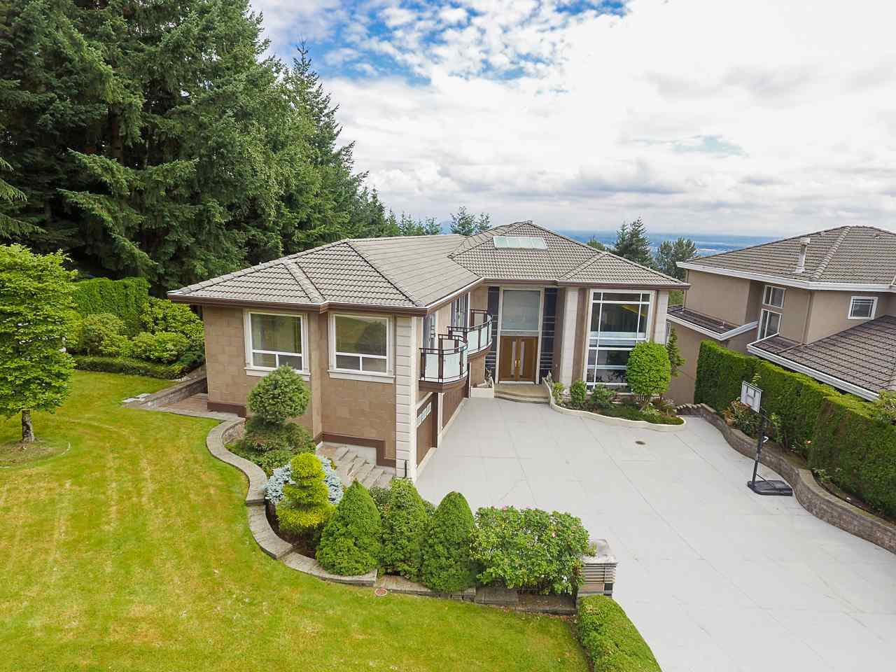 Main Photo: 1529 ROCKWOOD Court in Coquitlam: Westwood Plateau House for sale : MLS®# R2390471